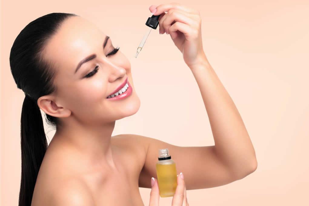 Biocosmesi a base di olio extravergine: il trucco per mantenere a lungo l'abbronzatura